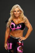 Natalya-Neidhart-WWE'13