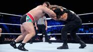Smackdown 8-6-15 Reigns v Rusev 002