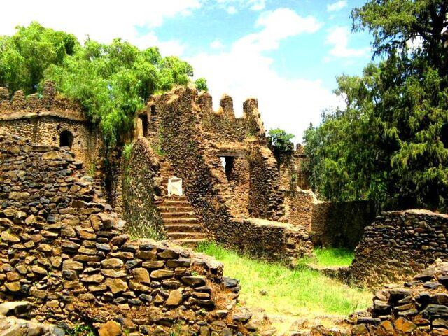 File:Castle-Ruins.jpg