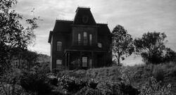 Psycho bates house 01