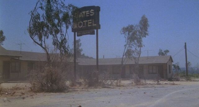 File:Psycho iii bates motel.jpg