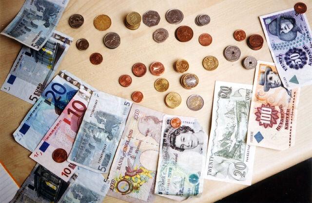 File:Moneybillscoins3.jpg