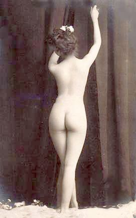 File:Vintage photo nude woman 2.jpg