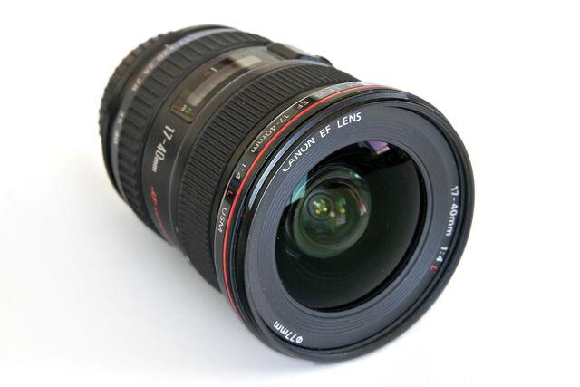 File:Canon 17-40 f4 L lens02.jpg