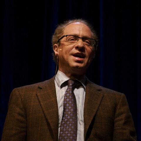 File:Raymond Kurzweil, Stanford 2006 (square crop).jpg