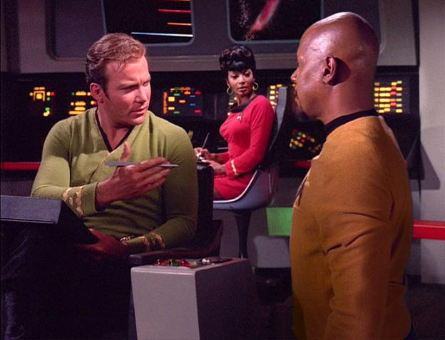Arquivo:Sisko encontra Kirk.jpg