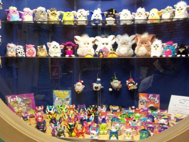 File:Bunch o' furby stuffz.jpg