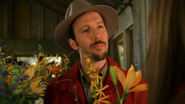 File:Wikia Daisies - Michael Brunt (farmer, florist).png