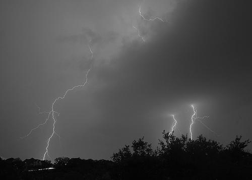 File:How to Take Lightning Shots.jpg