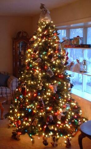 File:Fire Tock's Christmas Tree.jpg