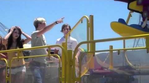 R5 TV - EPISODE 26 OC Fair with mini R5!