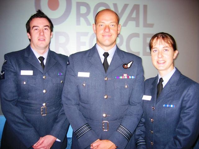 File:SAC-WgCdr-FltLt RAF.jpg