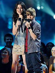 Justin Bieber and Miranda Cosgrove