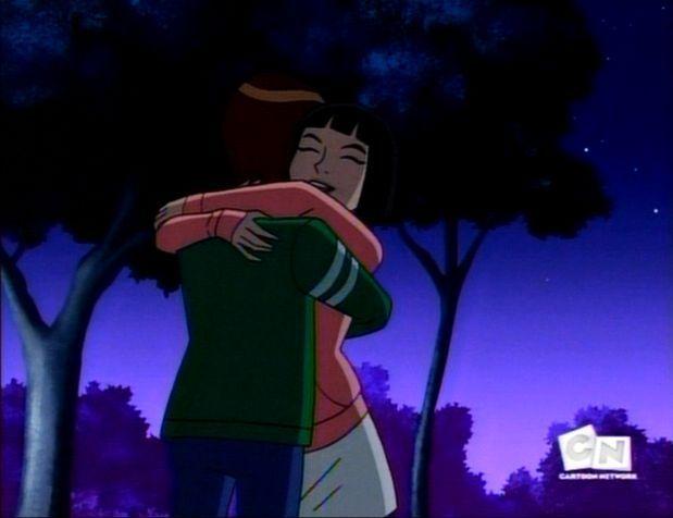 File:Ben-and-Julie-Hug-Together-ben-10-alien-force-8258418-619-476.jpg