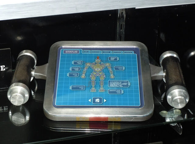 File:Real Steel midas remote prop.jpg