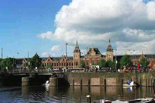 File:Amsterdam.jpg