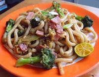 File:Simple Stir-fried Udon.jpg