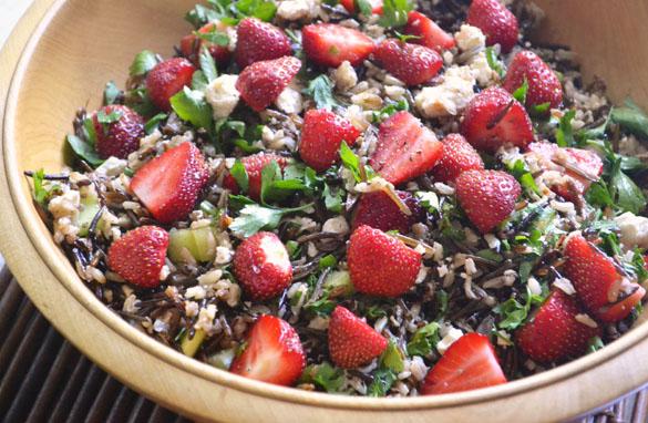 File:Wild-rice-strawberry-salad-2.jpg