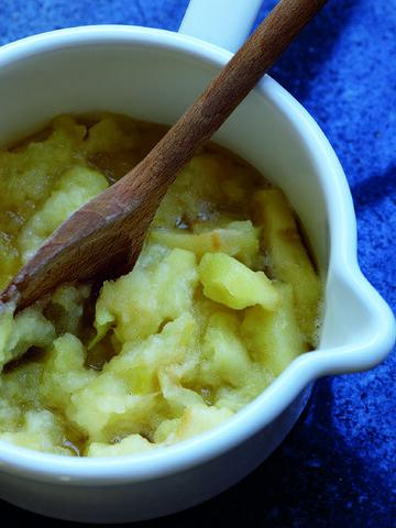 File:Stewed Bramley Apples image.jpg