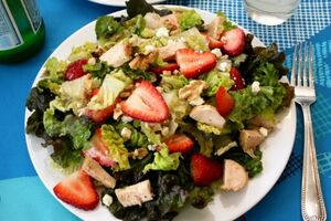 1280613214-Chicken Gorgonzola and Strawberry Salad 2
