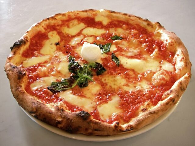 File:800px-Pizza.jpg