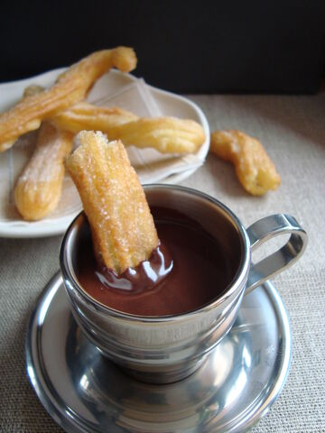 File:Churros and hot chocolate 3.jpg