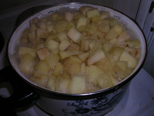 File:800px-Æblekompot.jpg