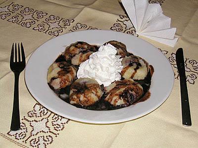 File:Potato dumplings with plums (Knedle sa sljivama).jpg