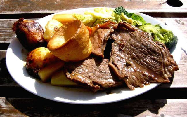 File:Roat beef and Yorkshire pudding.jpg