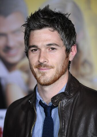 File:936full-dave-annable.jpg