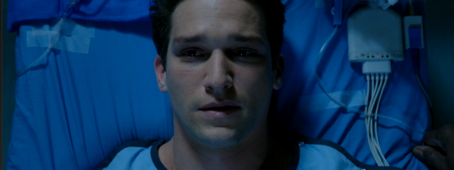 File:Red-Band-Society-season-1-episode-10-Hunter-surgery.png