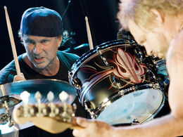 Chad-smith-michael-anthony-live-with-chickenfoot-corbis-530-100