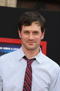 Tom Everett Scott 3
