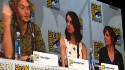 Reign - Comic Con 2014 - Part 2-1