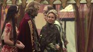 Coronation - Mary Stuart n Queen Catherine 1
