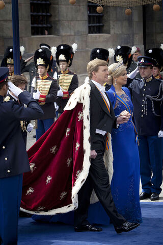 File:King Willem-Alexander and Queen Maxima on the inauguration 2013.jpg