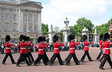 File:220px-Buck.palace.soldiers.arp.jpg