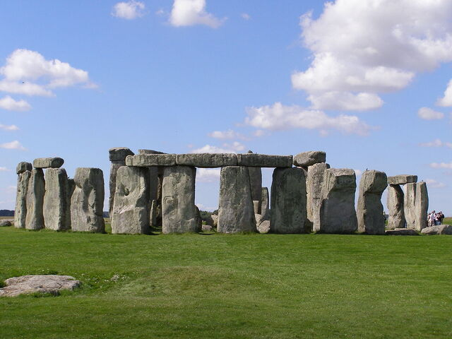 File:1200px-Stonehenge2007 07 30.jpg