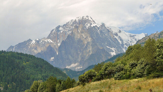 File:1280px-Mont Blanc from Aosta Valley.JPG