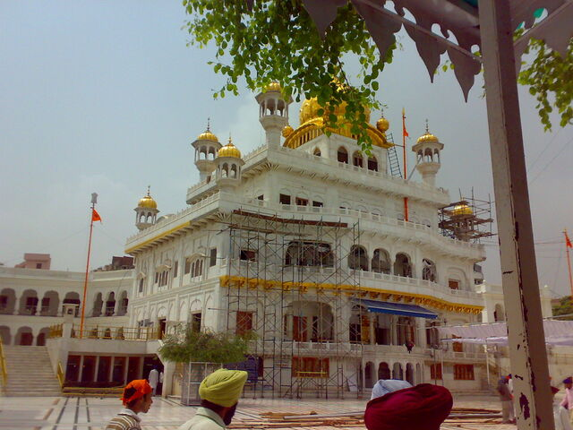 File:Akal Takht as it stands today.jpg