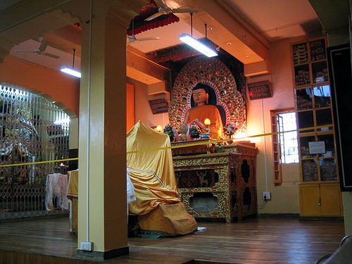 File:Dalai lama teaching room.jpg