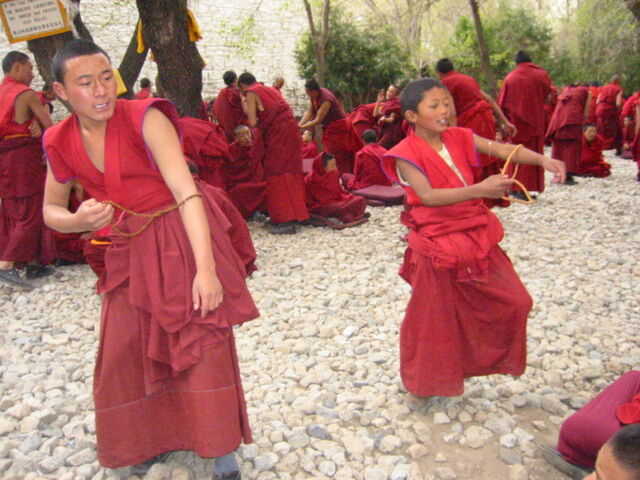 File:Young monks of Drepung.jpg