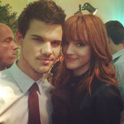 Bella-thorne-taylor-lautner-breaking-dawn-premiere