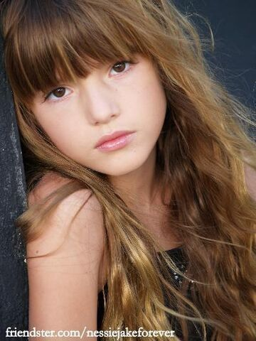 File:Renesmee-Carlie-Cullen-bella-thorne-cece-31688227-405-540.jpg