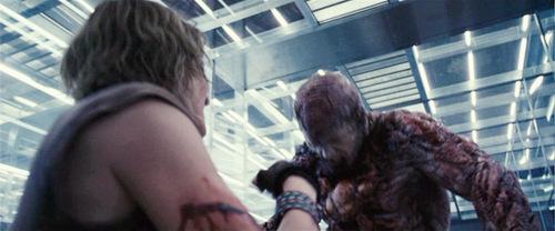 File:Resident-Evil-Extinction-resident-evil-1797349-500-208.jpg