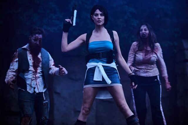 File:Julia Voth as Jill Valentine 28.jpg