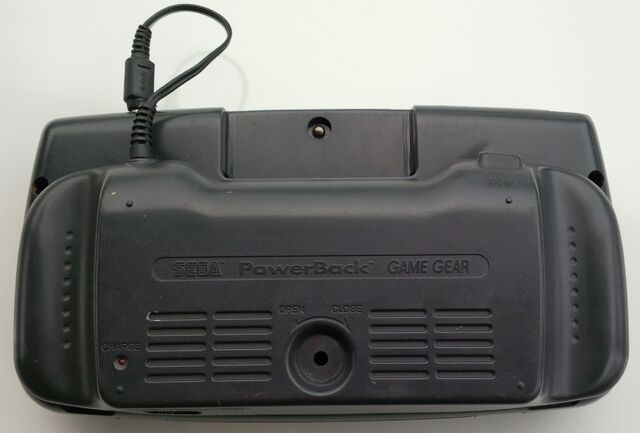 File:Sega Game Gear PowerBack battery pack attached rear.jpg
