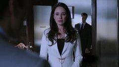 File:Betrayal (Revenge episode).jpg