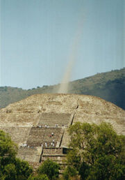 1energy-beam-Pyramid-of-the-Moon-in-Teotihuacan