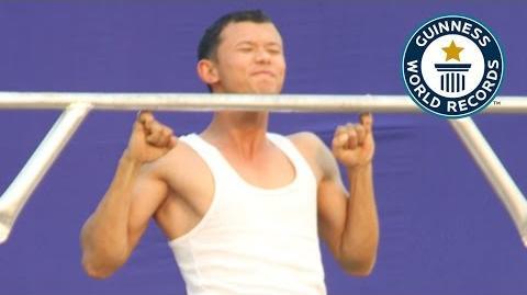 SPOTLIGHT - Most consecutive pinky pull-ups